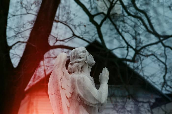 Significado espiritual do Anjo número 44 e as mensagens secretas do céu