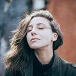 Sentir cheiro de podre do nada | O que significa no espiritismo?