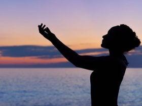 Sintomas de Mediunidade Reprimida: 4 que Não Deve Ignorar e Riscos
