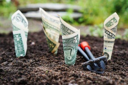 O que significa achar dinheiro na rua? É sinal de prosperidade?