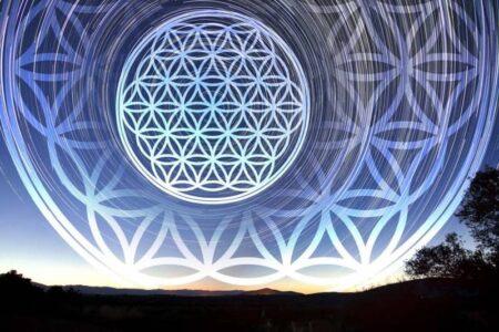 Significado da Flor da Vida na Geometria Sagrada: 7 Mensagens Espíritas