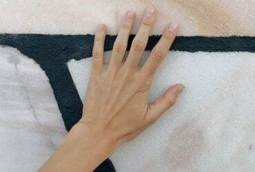 Coçeira na Mão Direita e Esquerda: Significado Espiritual